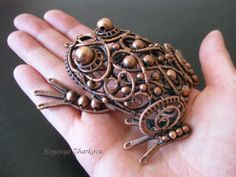 Toad by Appelsinium Fall Jewelry, Copper Jewelry, Wire Jewelry, Jewelry Art, Handmade Jewelry, Jewellery, Handmade Copper, Copper Wire, Chicken Wire Art