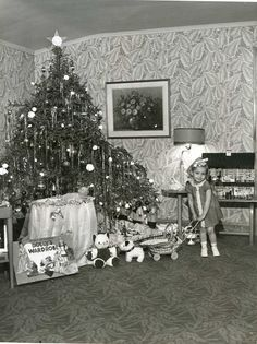Vintage Christmas... look at that wall paper and carpet!                                                                                                                                                                                 More