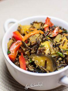 Lekko pikantne warzywa z dzikim ryżem i pestkami dyni ⋆ AgaMaSmaka - żyj i jedz zdrowo! Wild Rice, Japchae, Eggplant, Food And Drink, Vegetarian, Vegan, Dinner, Cooking, Ethnic Recipes