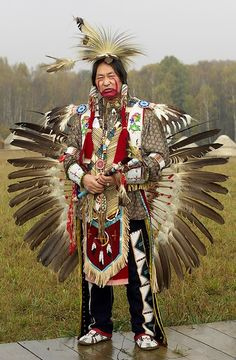 Native American Regalia, Native American Costumes, Native American Dress, Native American Pictures, Native American Beauty, American Indian Art, Native American History, Indian Pow Wow, Native Indian
