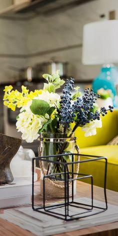 Coffee Photography, Original Wallpaper, Ceramic Vase, Glass Vase, Ceramics, Table Decorations, Garden, Flowers, Plants