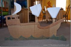 Super cute Simple Thanksgiving Costumes for Kids including mayflower boat from a cardboard box plus native american, turkey, and pilgrim hats. Thanksgiving Food Crafts, Kindergarten Thanksgiving, Boat Props, Toddler Halloween Costumes, Pirate Halloween, Costumes Kids, Costume Ideas, Halloween Party, Pilgrims And Indians