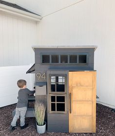 Kids Backyard Playground, Backyard For Kids, Backyard Projects, Modern Playhouse, Backyard Playhouse, Cubby Houses, Play Houses, Cabana, Brooklyn Backyard