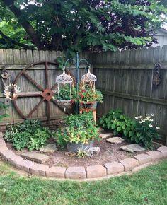 Garten ideen Brenda Townzen's quaint corner, Landscaping On A Budget Artic Garden Yard Ideas, Lawn And Garden, Gravel Garden, Quaint Garden Ideas, Pocket Garden Ideas, Garden Crafts, Country Garden Ideas, Diy Garden Ideas On A Budget, Inexpensive Backyard Ideas