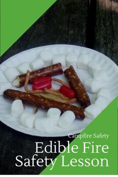 Sweet way to teach campfire safety: Edible fire safety lesson for scouts and kids I loved this lesson we had during Girl Scout camp, which taught the girls how to safely start and put out a campfire for cooking. Cub Scout Crafts, Cub Scout Activities, Camping Activities, Camping Games, Camping Theme, Cub Scouts Wolf, Tiger Scouts, Girl Scout Troop, Brownie Girl Scouts