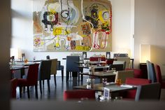 Le restaurant Victor Café à Marseille et ses œuvres d'art Gallery Wall, Restaurant, Home Decor, Decoration Home, Room Decor, Restaurants, Dining Room, Interior Decorating
