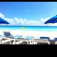 Beautiful beach in Cancun!!