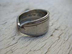 anello realizzato con posateria d'acciao  materiale di recupero  PEZZO UNICO!!!