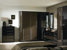 venice fitted bedroom showing fitted wardrobes fitted cabinets and fitted bedroom cupboards finished in
