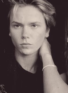River Phoenix I miss you. Wish you were still here and enetertaining us! <3