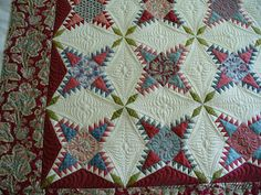 Addicted To Quilts: Dreams of Feathers ~ Pine Burr made by Michelle Yeo ~ Quilted by Desley from Addicted to Quilts