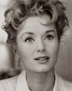The beautiful & talented Debbie Reynolds