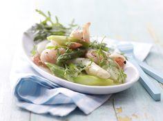 Gute Idee so ein Salat mit Spargel, oder? Lauwarmer Spargelsalat - mit Garnelen - smarter - Kalorien: 171 Kcal - Zeit: 35 Min.   eatsmarter.de