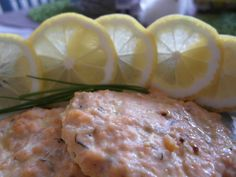 Salmon in oven with lemon