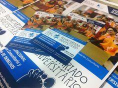 Así, parten éstos afiches y folletos que diseñamos e imprimimos para el Voluntariado Universitario de la UNSAM.