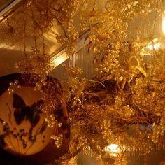 Claudia Starkloff IM HORTUS CONCLUSUS • Februar 2019 - DG Galerie München • Gewächshaus, Klosterarbeiten aus Draht, Perlen, Edelsteinen • #hortusconclusus #claudiastarkloff #dggalerie #klosterarbeit #klosterarbeiten #gewächshaus #contemporaryart Daniel Bräg #danielbräg • Florian Ecker #florianecker • Toffaha (Christoph Nicolaus und Rasha Ragab) #toffaha #christophnicolaus #rasharagab • Cambra Skade #cambraskade • Min Ma #minma • Christian Otto #christianotto • Martin Starkloff…