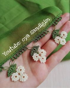 28 scrumptious floral crochet needlework models that received much acclaim from Oya Sandığım Crochet Lace Edging, Love Crochet, Filet Crochet, Crochet Flowers, Crochet Designs, Crochet Patterns, Saree Tassels Designs, Hand Embroidery Videos, Crochet Projects