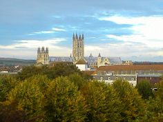 Spend the semester at University of Kent. Only 55 minutes from London! Cool medieval city!