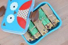 Batoniki owsiane z masłem orzechowym zdrowy deser