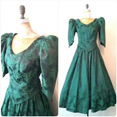 This gorgeous Victorian style green skirt and poof sleeve top is a size Medium and just arrived in the shop!