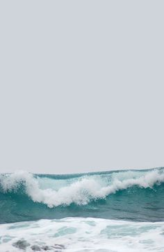 ocean waves, the sound of the surf Image Nature, All Nature, Water Waves, Ocean Waves, Big Waves, Sea And Ocean, Ocean Beach, Summer Beach, Summer Days