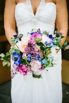 Bright boho bouquet: http://www.stylemepretty.com/2014/09/02/eclectic-chicago-loft-wedding/ | Photography: Pen Carlson - http://pencarlson.com/