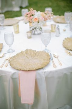 #place-settings - really enjoying this pink and gold.  Photography: Ashley Bosnick Photography - ashleybosnick.com  Read More: http://www.stylemepretty.com/southwest-weddings/2014/02/10/romantic-lakeside-arm-wedding/