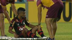 Flamengo idealiza retorno de Léo Moura para depois do carnaval +http://brml.co/1ES34US