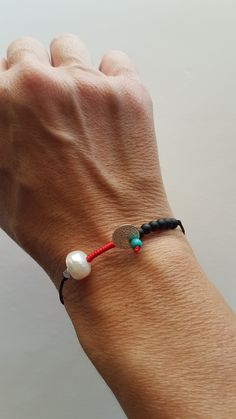 Handmade Accessories, Handmade Jewelry, Wire Jewelry, Jewelry Bracelets, Diy Shops, Bracelet Crafts, Macrame Tutorial, Rakhi, Jewelry Design