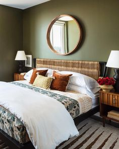 Top 10 Chic Fall Decorations for Your Home Olive Bedroom, Green Bedroom Walls, Green Accent Walls, Bedroom Wall Colors, Room Colors, Guest Room Decor, Living Room Decor, Olive Green Rooms, Room Color Design