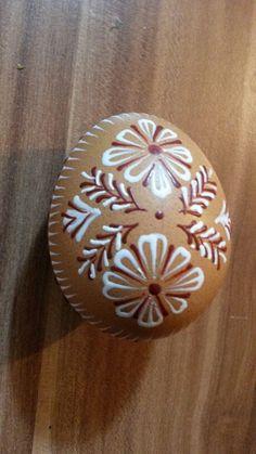 Drop pull technik Eastern Eggs, Polish Easter, Easter Egg Designs, Egg Drop, Egg Decorating, Easter Crafts, Gingerbread, Diy And Crafts, Shells