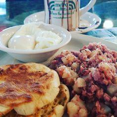 Breakfast is served. Corn beef hash and poached eggs. #breakfast #cornbeefhash #eggs #hungry #metrodiner #bemaifoodie