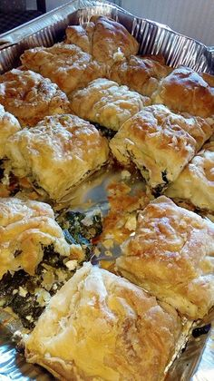 Spanakopita Recipe, Cyprus Food, Pizza Tarts, Greek Pastries, Filo Pastry, Greek Cooking, Greek Recipes, Kitchen Recipes, Food And Drink