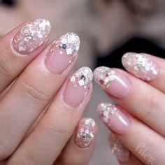 ・ ・ フィレールでされたお客様のブライダルネイルは #フィレールブライダル のハッシュタグでまとめてあります♡ プレ花嫁の皆様ぜひ参考になさってください♪ ・ @rrieenee 先生のプロデュースパレット使用 #nail#nailsalon#newnail#swag#love#cute#fashion#filer#gelnails#フィレール#美甲#自由が丘#ネイルサロン#ネイル#ジェルネイル#キラキラネイル#冬ネイル#プレ花嫁#卒花嫁#ブライダルネイル#뷰스타그램#маникюрист#Maniküre#manicura