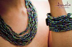 Collar + pulsera color abalone, elaborado con mostacillas y broche en madera.