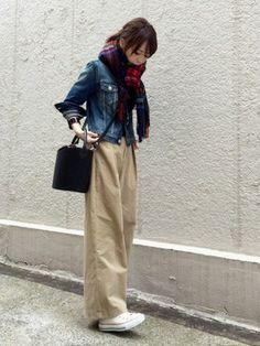 RED CARD Denim jacket using this ari☆looks│ Look Fashion, Daily Fashion, Hijab Fashion, Korean Fashion, Girl Fashion, Autumn Fashion, Fashion Outfits, Womens Fashion, Denim Fashion