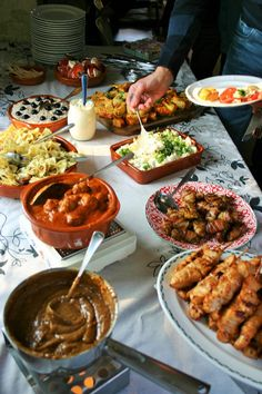 Bbq Party, Party Snacks, Lunch Room, Tandoori Chicken, Entrees, Side Dishes, Good Food, Food And Drink, Dinner