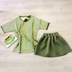 Outfit del giorno tutto sulle tonalità del verde