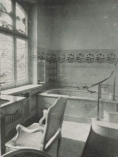 Art nouveau bathroom in a Mannheim house, 1902.