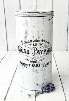 You can paint with acrylics (black and white to get a distressed look) and reuse different sizes tin boxes. Apply waterslide decal paper with desired graphic -… Vintage Box, Vintage Labels, Plastic Playhouse, Mesh Wreath Tutorial, Globe Decor, Tin Can Crafts, Diy Epoxy, Citronella Candles, Tin Containers