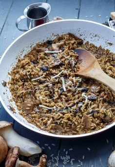 Balsamic Mushroom Risotto | @thecookiewriter | #risotto #vegetarian | A mix of assorted mushrooms makes this balsamic mushroom risotto so bold in flavours! Gluten-free and vegetarian!
