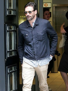 Jon Hamm in the Halo Jacket, 3/4 Placket Shirt and RB7    Este si es un hombre!