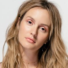 """Leighton Meester on Feminism and Her """"Anti-Gwyneth"""" Beauty Routine Morning Beauty Routine, Skin Care Routine For 20s, Skincare Routine, Beauty Secrets, Beauty Hacks, Beauty Tips, Beauty Products, Leighton Marissa Meester, Leighton Meester Hair"""