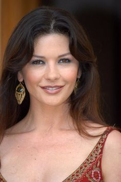 View celebrity pictures and their hotness ratings Catherine Zeta Jones, Most Beautiful Faces, Gorgeous Women, Amazing Women, Pretty Females, Actrices Hollywood, Celebrity Beauty, Elizabeth Taylor, Classic Beauty