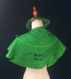 Ch3-Nueva-Tinkerbell-capa-y-hat-with-red-feather-Cosplay