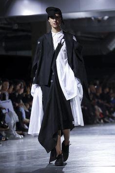 YOHJI YAMAMOTO ready to wear SS18 LIVE in PARIS :