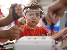 Makers on the Move in Libraries and Museums #makerspace