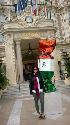 Cannes, famous Hotel Carlton. It was a pitty to not been inside. Because i big guy from India (with my respect !!) have fully booked the Hotel because of Wedding !! Just Fotos from outside including Candy.. :-)