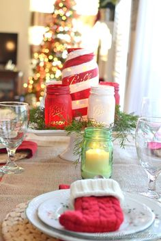 Chalky Painted Mason Jars and Christmas Tablescape (+ Americana Decor Chalky Finish paint giveaway! Mason Jar Christmas Crafts, Christmas Candles, Mason Jar Crafts, Mason Jar Diy, Holiday Crafts, Christmas Tablescapes, Christmas Centerpieces, Christmas Decorations, Holiday Decorating