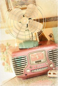 vintage style pink radio and fan... love the colors!